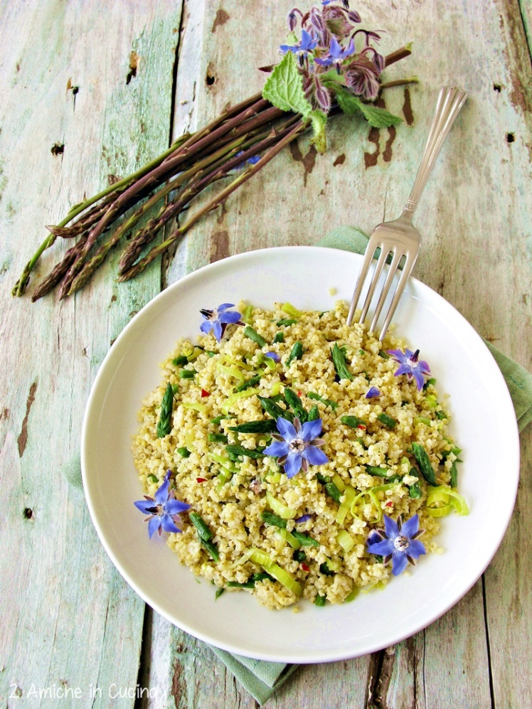 miglio-con-asparagi-porro-e-fiori-di-borragine